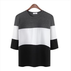 WIZIKOREA - 3/4-Sleeve Color-Block T-Shirt