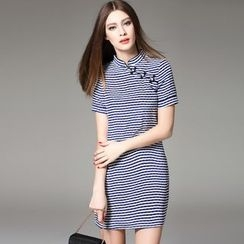 Y:Q - Short-Sleeved Striped Silk Qipao Dress