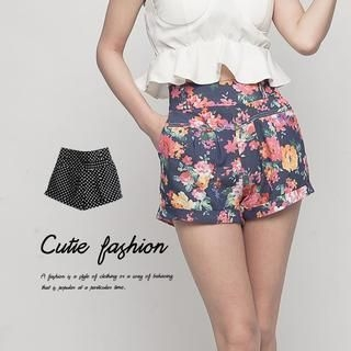 CUTIE FASHION - Patterned Shorts