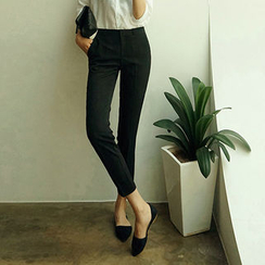 chuu - Slim-Fit Tapered Dress Pants
