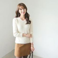 CLICK - V-Neck Knit Sweater