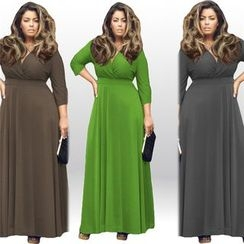Hotprint - V-Neck 3/4 Sleeve Maxi Dress