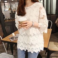Shimi - Lace 3/4 Sleeve Top
