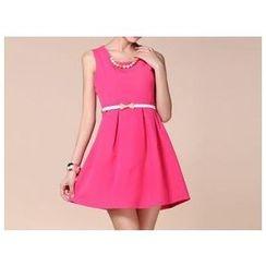 草莓花朵 - 无袖缀连衣裙