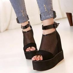 Mancienne - Platform Wedge Mesh Sandals