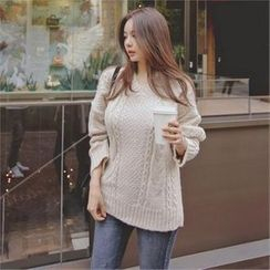 TOM & RABBIT - V-Neck Cable-Knit Sweater