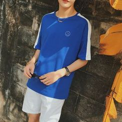 JUN.LEE - Smiley Embroidered Contrast Trim Short Sleeve T-Shirt