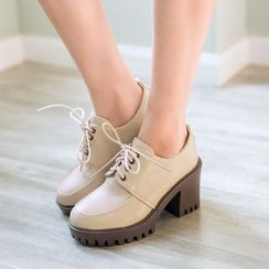 Pretty in Boots - Chunky Heel Boat Shoes