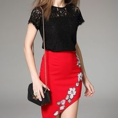 Kotiro - Set : Short-Sleeve Lace Top + Embellished Skirt