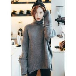 Chlo.D.Manon - Turtle-Neck Oversized Sweater