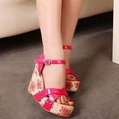 Mancienne - Printed Wedge Sandals