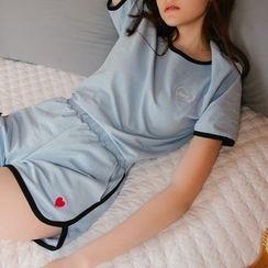 HotBlock - Set: Heart Embroidered Short Sleeve T-Shirt + Sweat Shorts