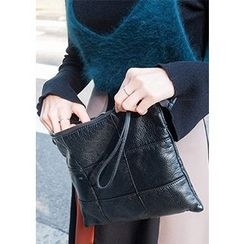 Chlo.D.Manon - Quilted Wristlet Clutch