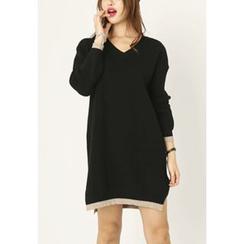 REDOPIN - V-Neck Slit-Side Knit Dress