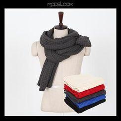 MODSLOOK - Rib-Knit Scarf