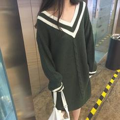 Chililala - Contrast Trim V-Neck Chunky Knit Dress