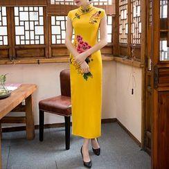 Maura Qipao - 盖袖印花长款旗袍