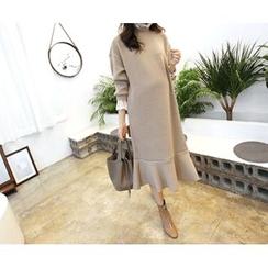 MARSHMALLOW - Lace-Trim Ruffled-Hem Maxi Dress