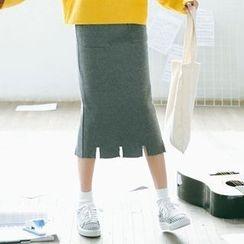 Woodie - Midi Knit Skirt