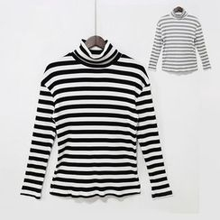 Mr. Cai - Long Sleeve Striped Turtleneck T-Shirt