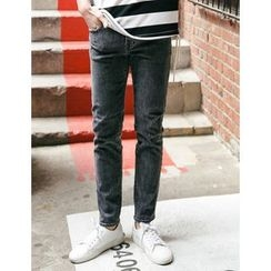 STYLEMAN - Washed Tapered Jeans