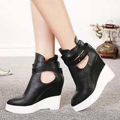 Mancienne - Faux-Leather Wedge Ankle Boots