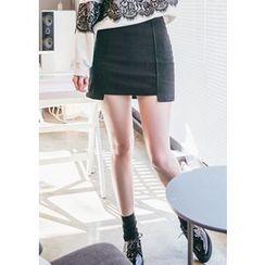 Chlo.D.Manon - Cutout-Hem Mini Skirt