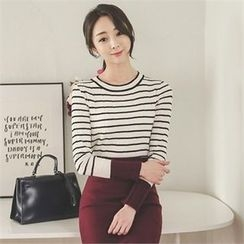 ode' - Color-Block Stripe Knit Top