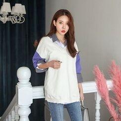 Seoul Fashion - Color-Block V-Neck T-Shirt