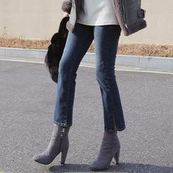 Seoul Fashion - Boot-Cut Cropped Jeans