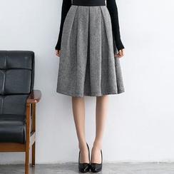 Eleganza - Pleated A-Line Skirt