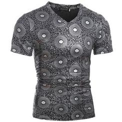 Hansel - Print Short Sleeve V-Neck T-Shirt