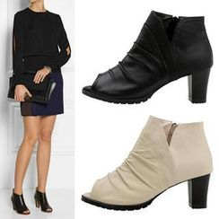 VIVIER - Peep-Toe Slit-Side Booties