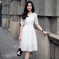 Lovi - 短袖蕾丝束腰连衣裙