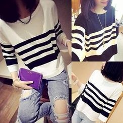 Coralie - 3/4 Sleeved Striped Knit Top