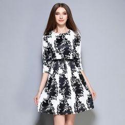 巧妮兒 - 七分袖圖案連衣裙