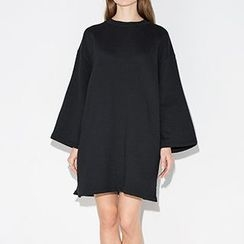 Richcoco - Long Bell Sleeve Swing Dress