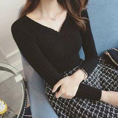 QZ Lady - Ribbed V-neck Knit Top