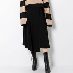 FASHION DIVA - Asymmetric-Hem A-Line Midi Skirt