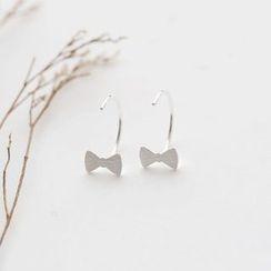 Love Generation - Bow Sterling Silver Swing Earrings