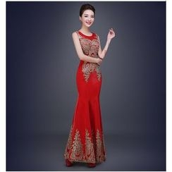 Gracia - Sleeveless Embroidery Sheath Evening Gown