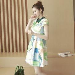 Ashlee - 印花短袖A字連衣裙