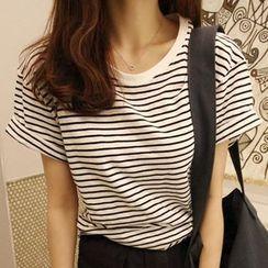 XGZ - Striped Crewneck T-Shirt