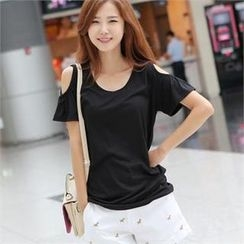 Styleberry - Round-Neck Cutout-Shoulder T-Shirt