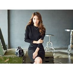 UUZONE - Crew-Neck Knit Dress