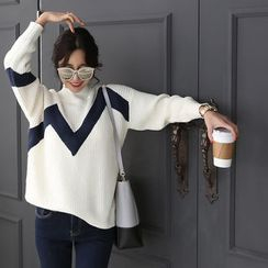 DANI LOVE - Mock-Neck Contrast-Trim Sweater