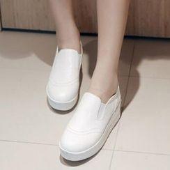 Tomma - 厚底輕便鞋