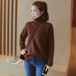 Munai - Turtleneck Sweater