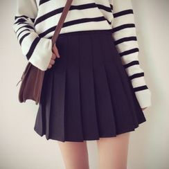 Munai - Pleated A-Line Skirt