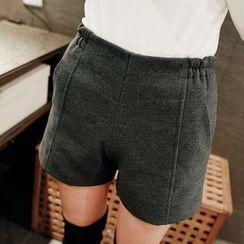 YUMU - 束腰毛呢短裤